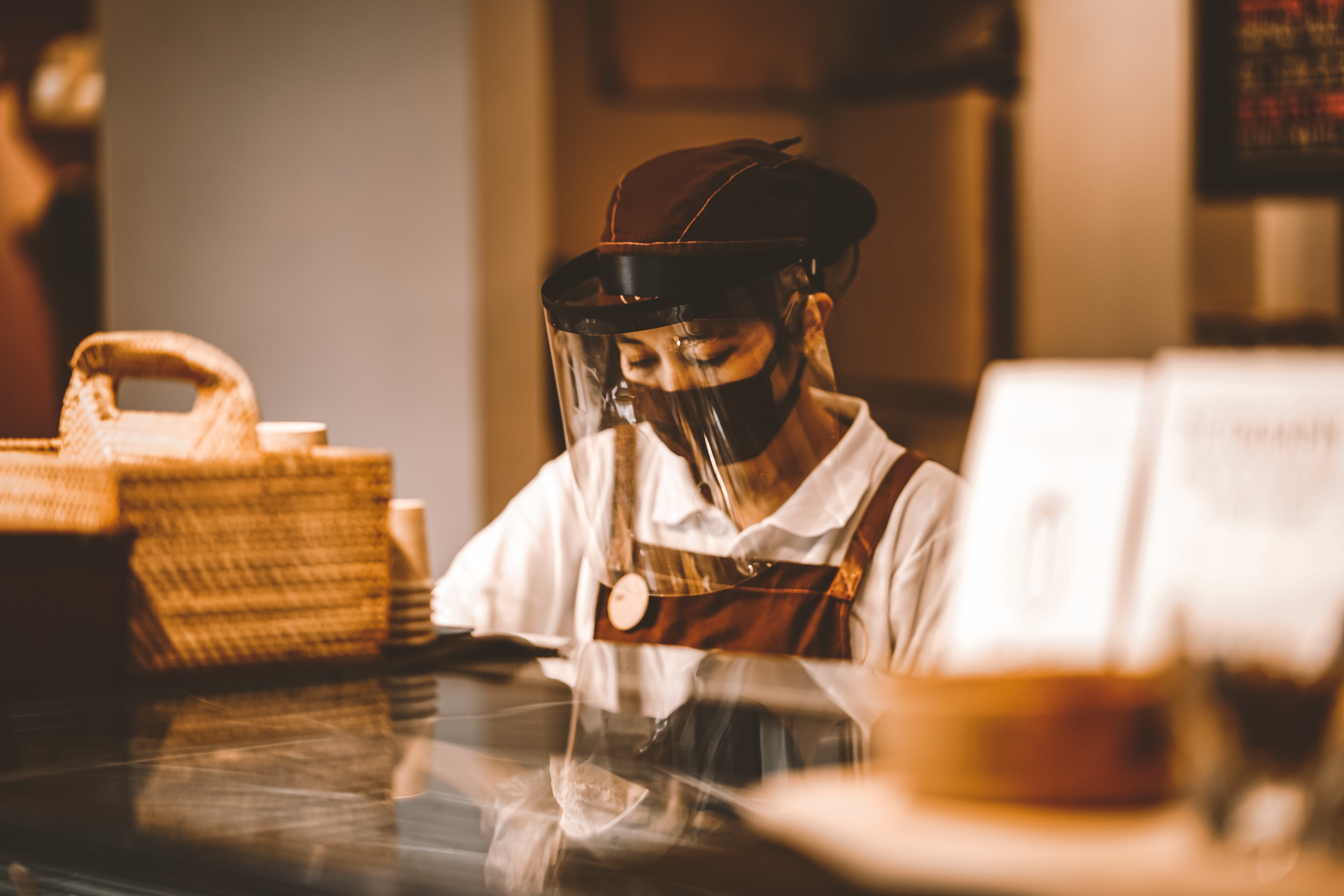 restaurant face mask covid-19